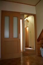 Photo: 2階寝室からシャワールーム、トイレ、階段を望む 从2层的卧室看淋浴室,厕所,和楼梯 shower room, toilet, stairs looking from 2F bedroom
