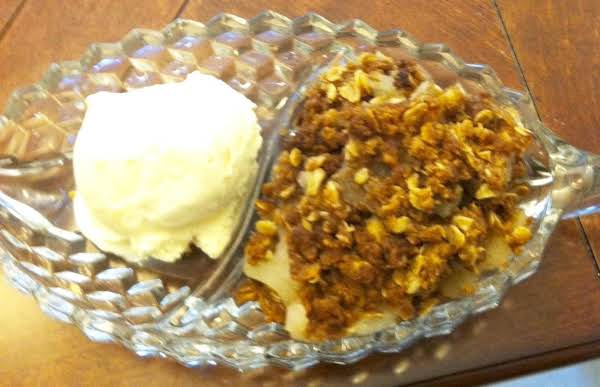 Crock Pot Apple Crumb Dessert