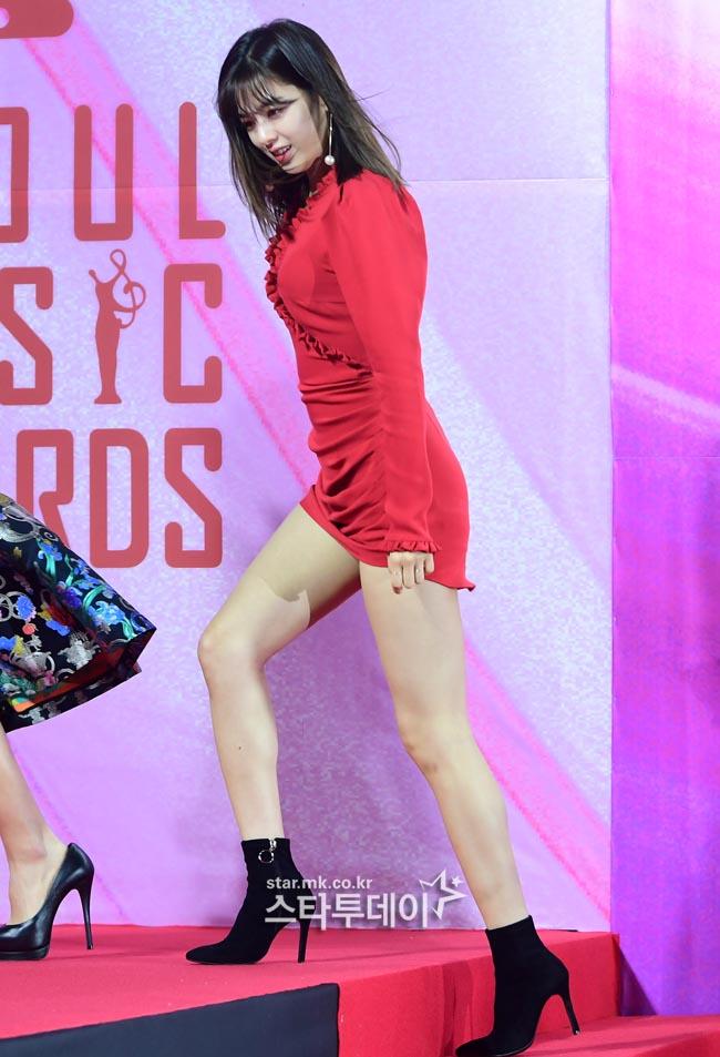 jeongyeon legs 7