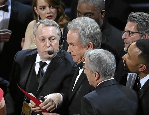 PwC apologises for Oscars chaos