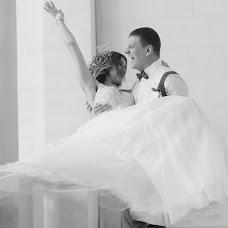 Wedding photographer Oksana Svidruk (oksiko). Photo of 24.03.2017