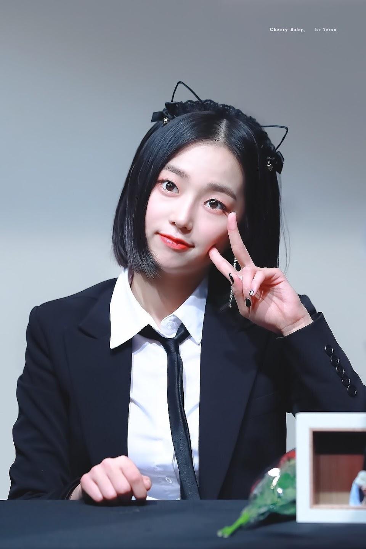 yeeun suit 12