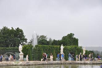 Photo: Zajímavou podívanou ve versailleských zahradách jsou tzv. Vodní hry. Několikrát za den ze všech vodotrysků a fontán trýská voda. Vše je doprovázeno barokní hudbou. Úžasná atmosféra, kterou jsme si při naší návštěvě užili celkem dvakrát.