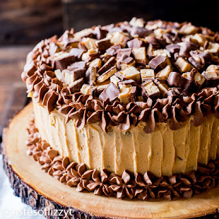 Peanut Butter Snickers Cake