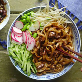 Beijing's Signature Noodles (炸酱面).