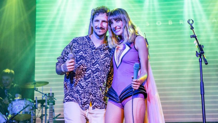 Chica Sobresalto quiso contar en este evento con Álex Nixon para interpretar por primera vez en directo su tema.