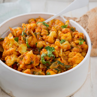 Tikka Masala with Chickpeas, Cauliflower and Spinach.