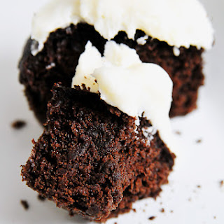 Chocolate Cupcakes with Vanilla Buttercream Frosting