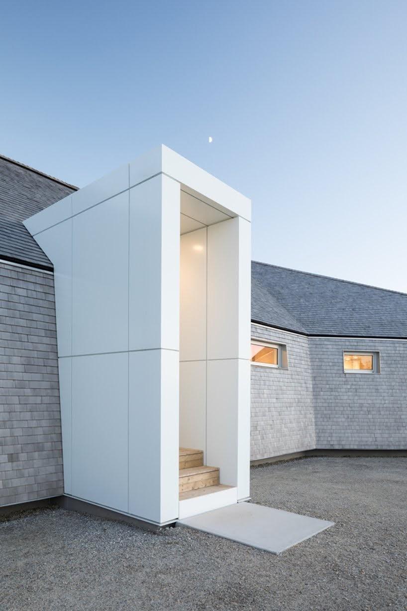Casa Punto de Esclusa por Omar Gandhi Architect