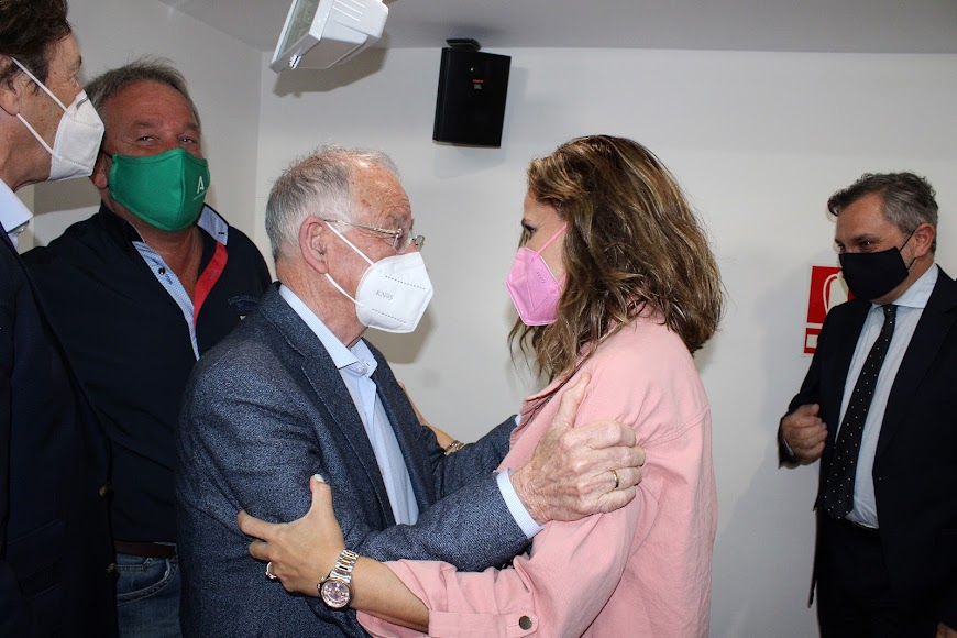 Gabriel Amat y Maribel Sánchez Torregrosa.