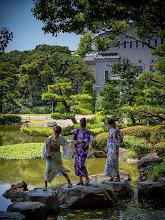Photo: 3 Japanese ladies in Tennoji park