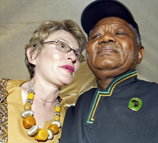 21 March 2007. South Africa. Cape Town. The Mayor of Cape Town, Helen Zille, with Philip Kgosana at the launch of Langa Memorial Imgage: Gallo