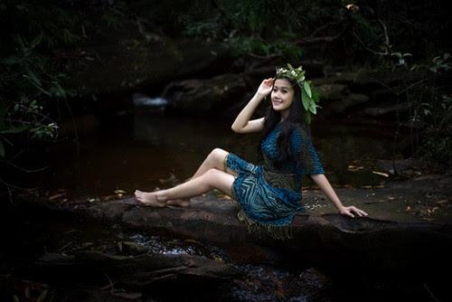 Người đẹp lung linh tại Suối Đá Bàn Phú Quốc
