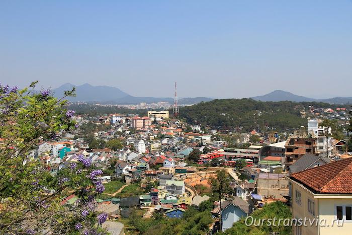 Вид на горный курорт Далат, Вьетнам