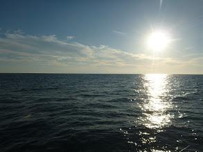 Photo: 日中はまだまだ日差しが強いですね。