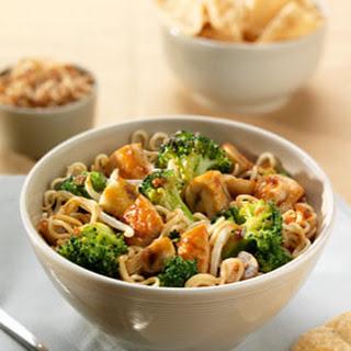 Thais Oester soja wokgerecht met kip en broccoli
