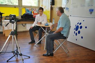 Photo: Videorozhovor s hokejovým trenérem Vladimírem Vůjtkem (moderátor Jan Tomášek ze třídy 2. A, pátek 6. červen 2014, učebna výtvarné výchovy).