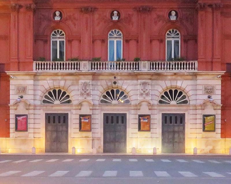 Ingresso del Teatro Petruzzelli di giovannaabb