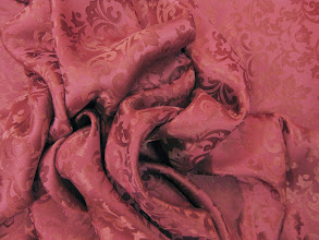 Photo: Ткань :Жаккард натуральный шелк ш.112см. цена 2500руб.