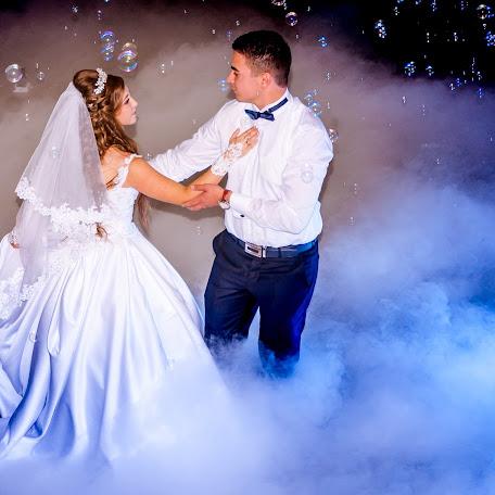 Wedding photographer Norbert Holozsnyai (hnfoto). Photo of 21.12.2017