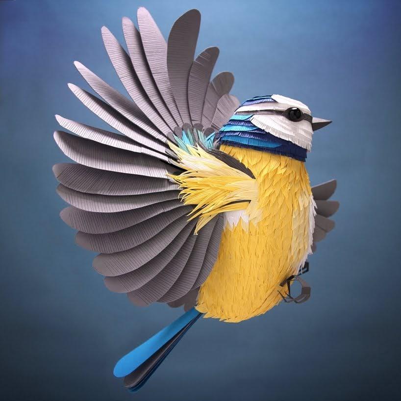 Deslumbrantes esculturas tridimensionales en papel de aves, abejas y crustáceos