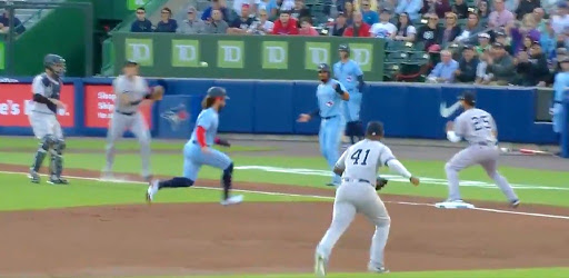 The Yankees Turned An Inexplicable Triple Play In Buffalo After Some Minor League Baserunning From The Blue Jays