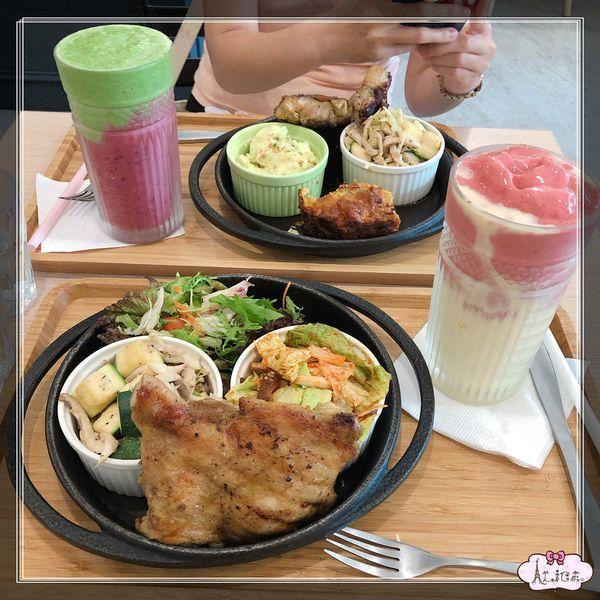 高雄市前鎮區 > Smoko Salad Bar 沙拉、輕食、果昔