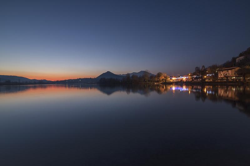l'ora blu sul lago  di marcovp