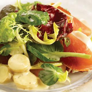 Gemengde salade met Parmaham en aardappel