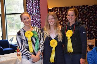 Photo: Tredjeplats för hopplaget bestående av Amanda, Johanna och Sanna Foto:Kajsa Stoll Kuroczik