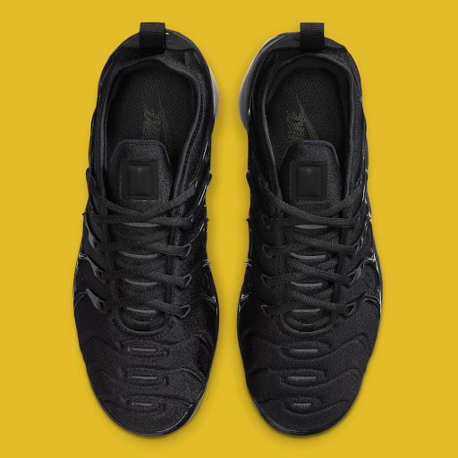 "The Nike Vapormax Plus ""Triple Black"" Returns With Smoky Soles"