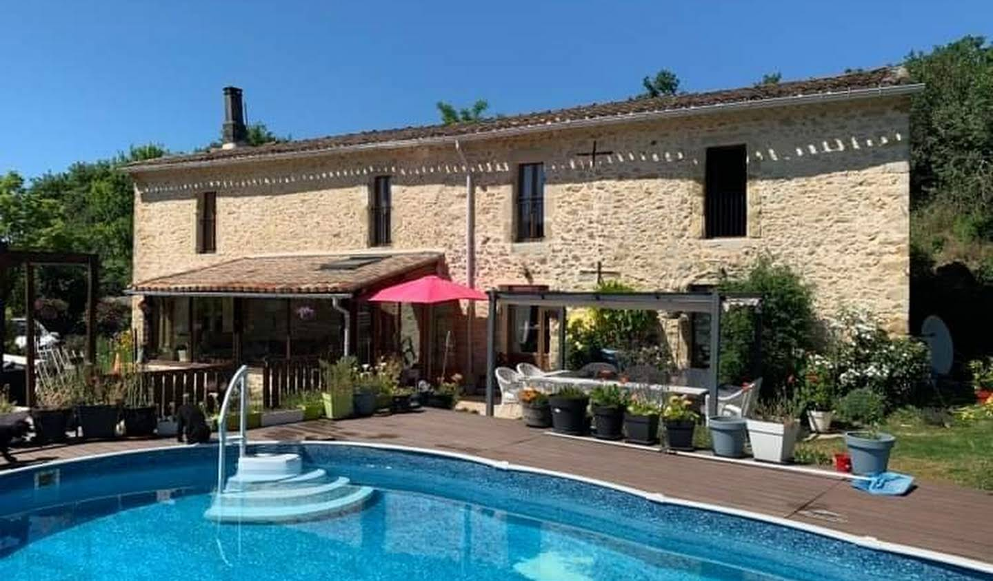 House with pool and terrace Salles-sur-l'Hers