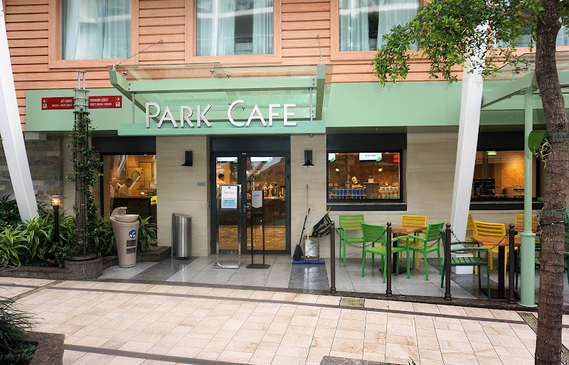 Head to the Park Café on Harmony of the Seas for a quick, casual bite to eat.