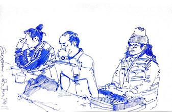 Photo: 唱詩班樂手2012.01.08鋼筆 唱詩班的樂手彈奏著聖歌,一旁的長老這思慮著等會要對收容人說些什麼…