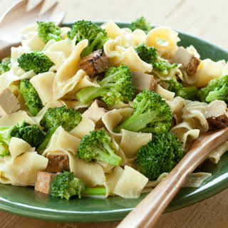 Cashew Noodles with Broccoli and Tofu.