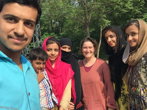 Is Pakistan Safe to Travel? Experience Sharing on Why Travel to Pakistan // Selfie with young people in Islamabad