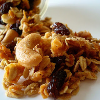 Coconut and Cashew Granola