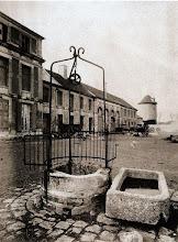 Photo: Villejuif, basse- cour de l´ancien château du comte de Saint- Roman, 1901. .- EUGÈNE ATGET