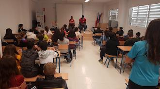 Los maestros del baloncesto impartiendo clases.