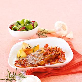 Schweinskotelett mit Pfeffer-Paprika-Rahm-Sauce