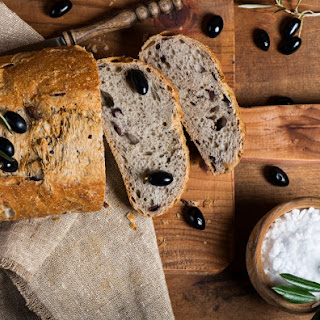 Guest Post by Lisa Turner – Rustic Rosemary-Olive Bread