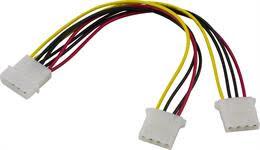 "DELTACO Y-kabel intern för 2st 5,25"""