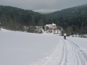 Photo: Blick zur Märchen-Villa in Lambach am Weg zum Osser