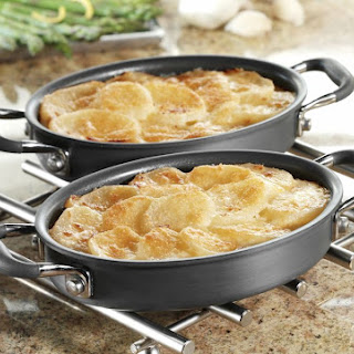 Classic Scalloped Potatoes with Cheddar Cheese Topping Recipe