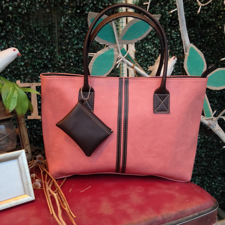 Classic Tote in Pomegranate Pink by Le Tea Boutique