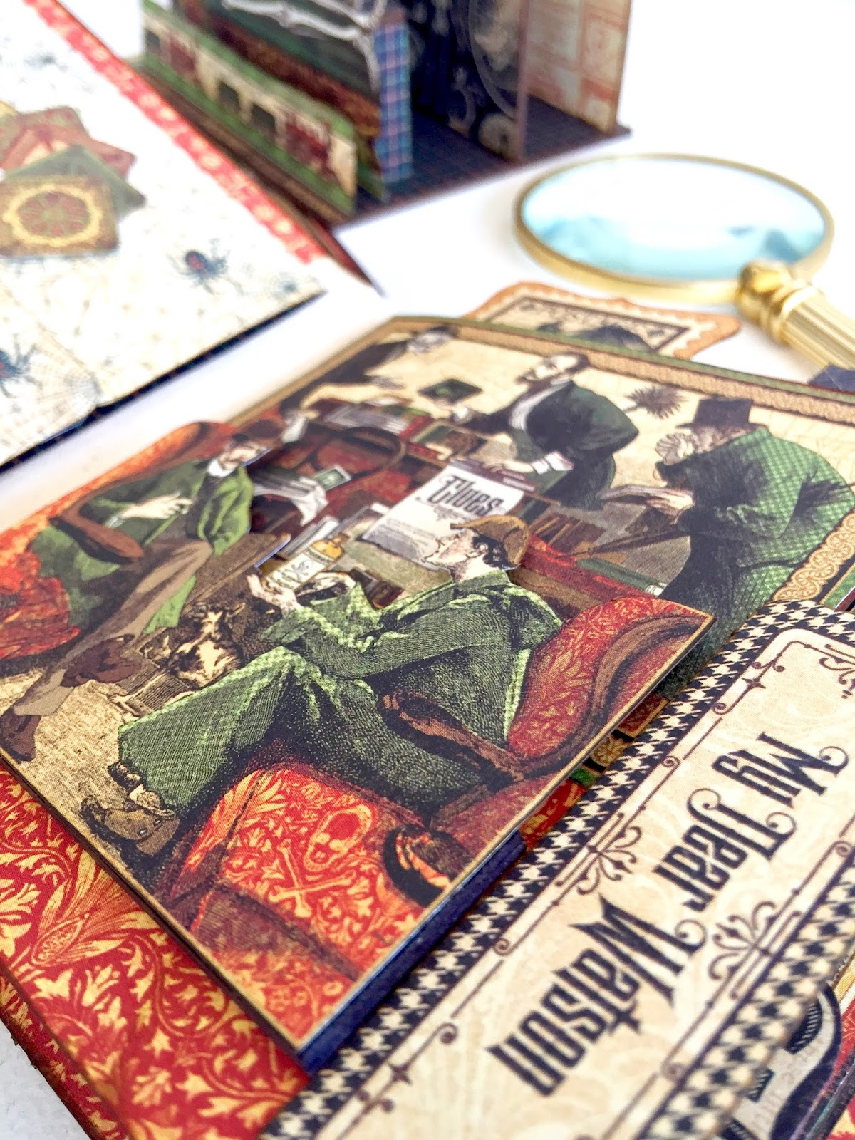 Stand and Mini Album Master Detective by Marina Blaukitchen Product by Graphic 45 photo 11.jpg