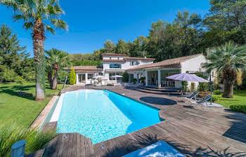 Villa 6 pièces 270 m2
