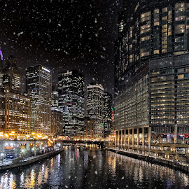 Chicago River by Michael Lemm - City,  Street & Park  Skylines