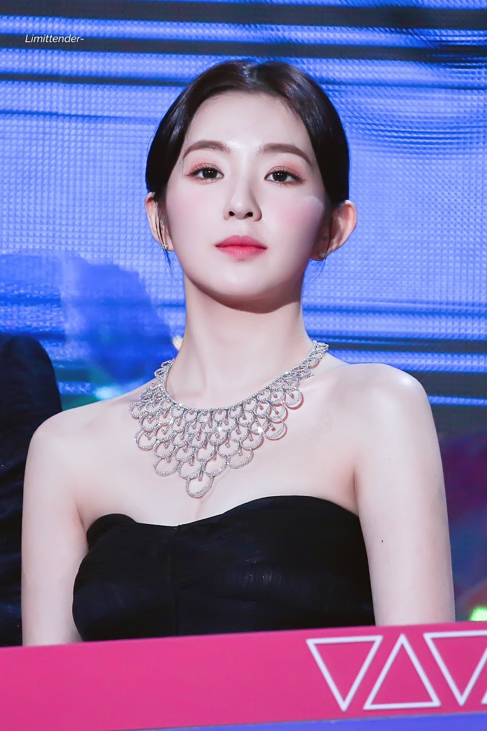 red-velvet-irene-necklace