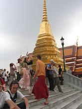 Photo: Doreen Wolff beim Besuch des Königspalast in Bangkok